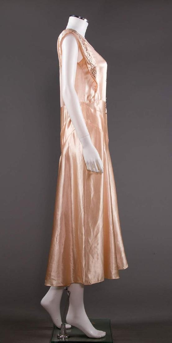 SATIN BIAS-CUT EVENING GOWN, 1930s - 3