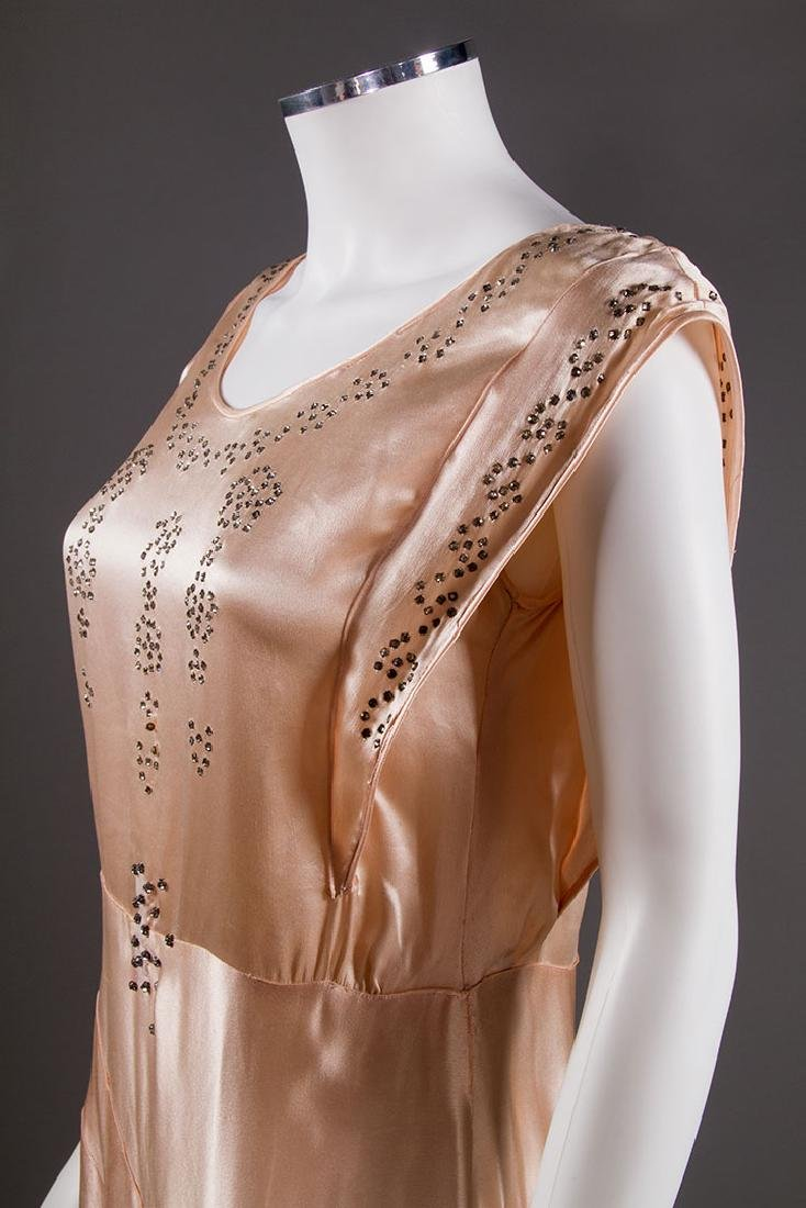 SATIN BIAS-CUT EVENING GOWN, 1930s - 5
