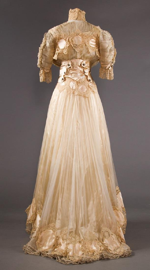 SILK & BRUSSELS LACE WEDDING GOWN, NYC, 1902 - 4