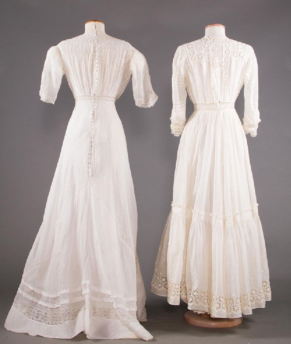 TWO WHITE LAWN TEA GOWNS, 1900-1904 - 3