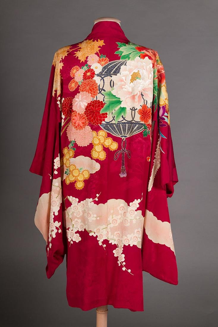 THREE LADIES' SILK PRINTED KIMONO, JAPAN - 3