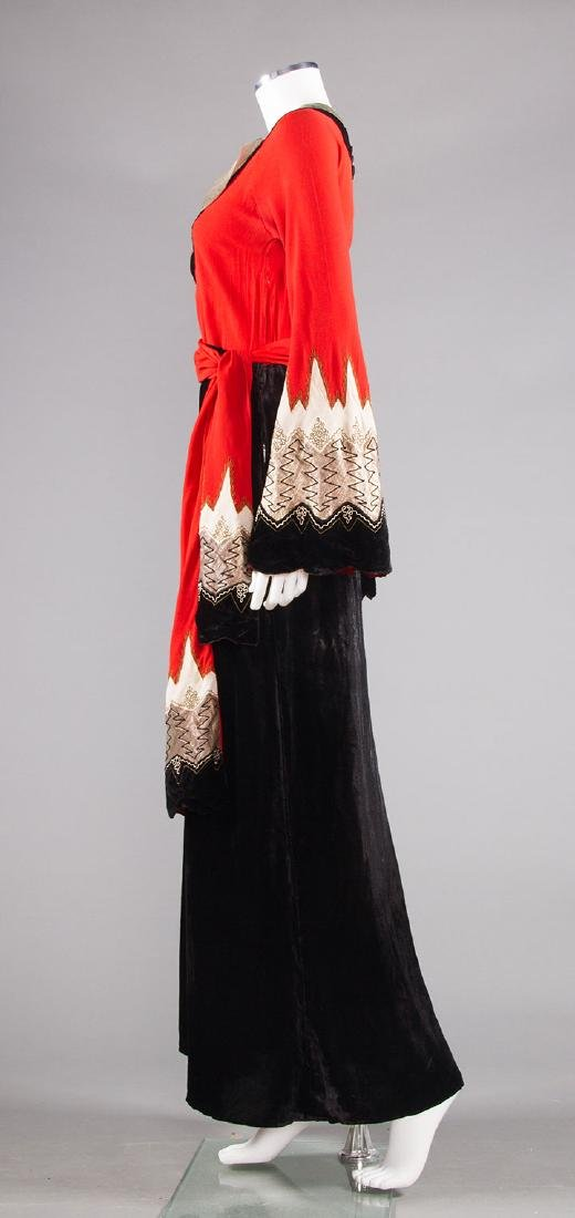BLACK, CORAL & SILVER EVENING DRESS, c. 1940 - 3