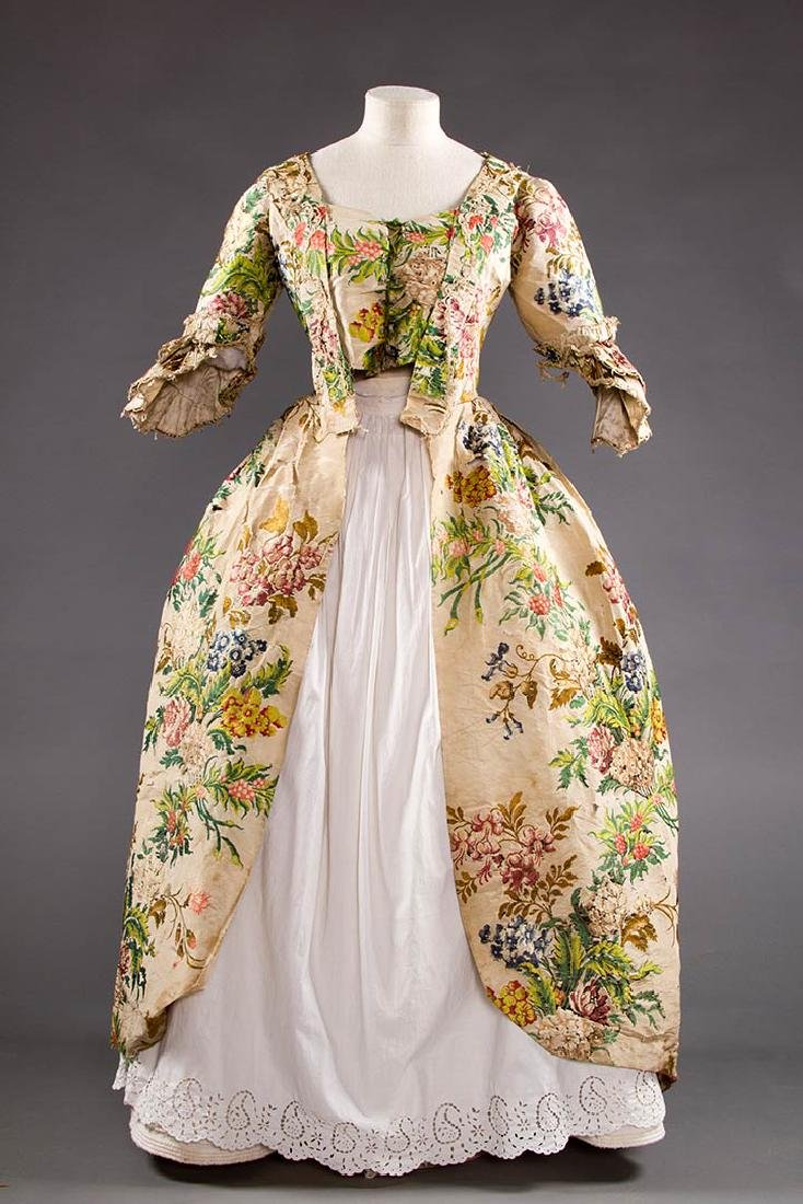 LADY'S SILK BROCADE GOWN, MID 18TH C
