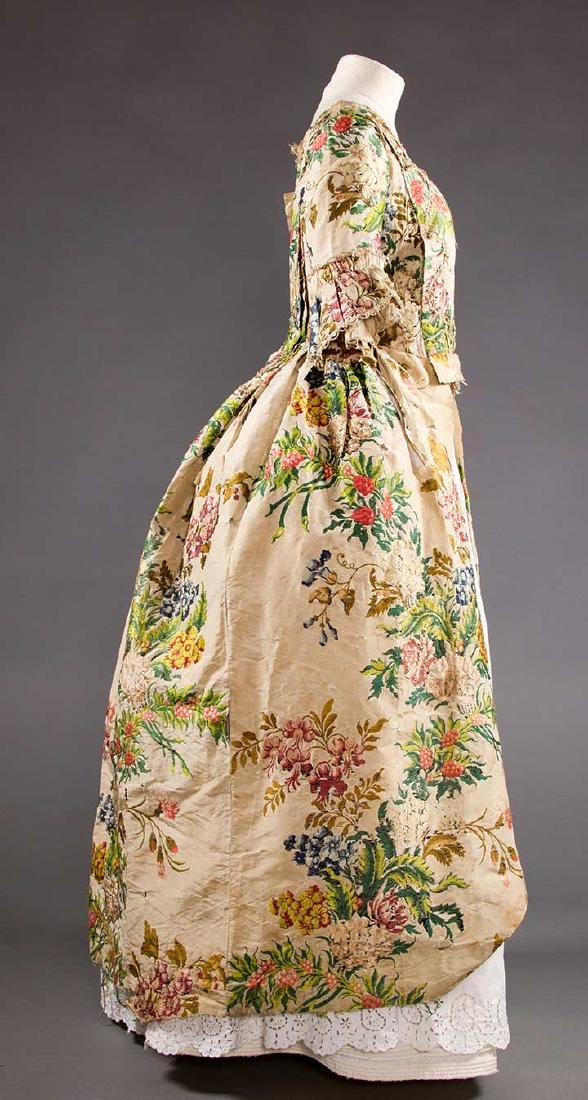 LADY'S SILK BROCADE GOWN, MID 18TH C - 3