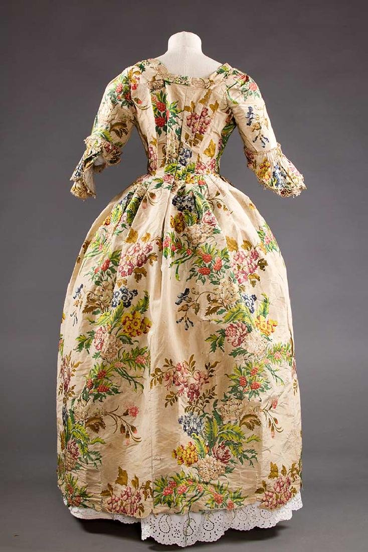 LADY'S SILK BROCADE GOWN, MID 18TH C - 4