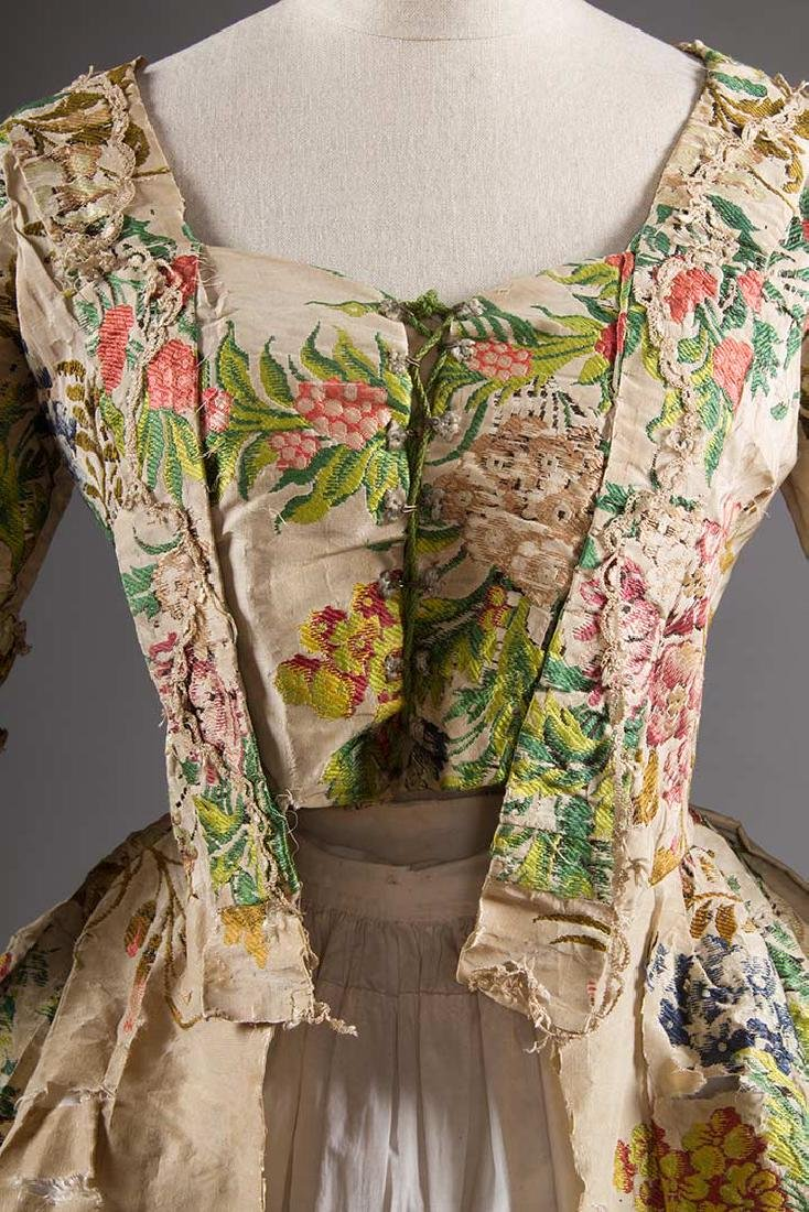 LADY'S SILK BROCADE GOWN, MID 18TH C - 5