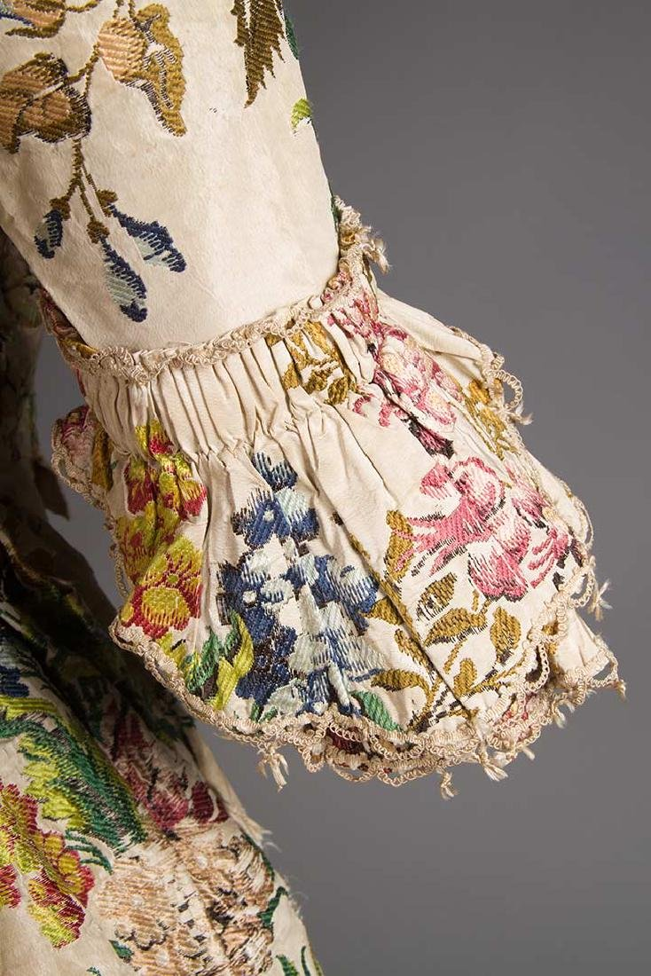 LADY'S SILK BROCADE GOWN, MID 18TH C - 7