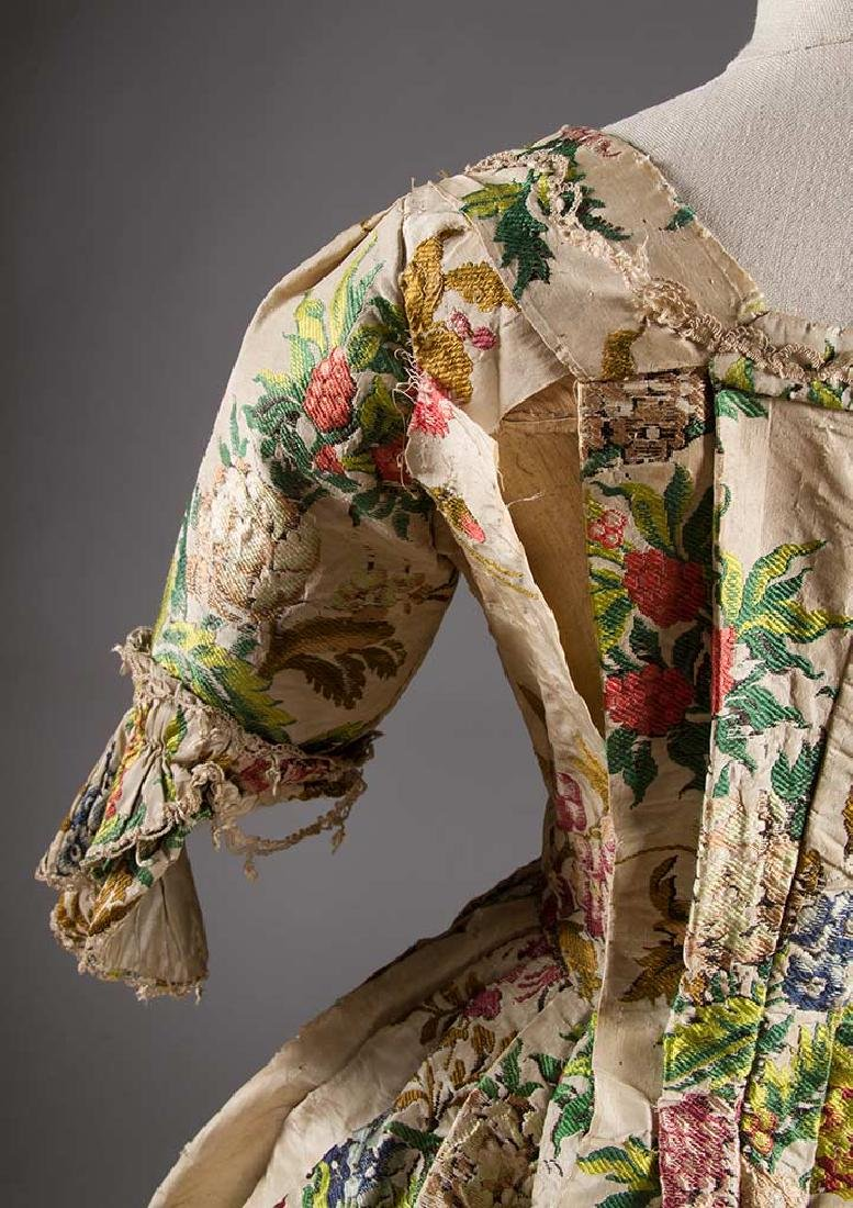 LADY'S SILK BROCADE GOWN, MID 18TH C - 8