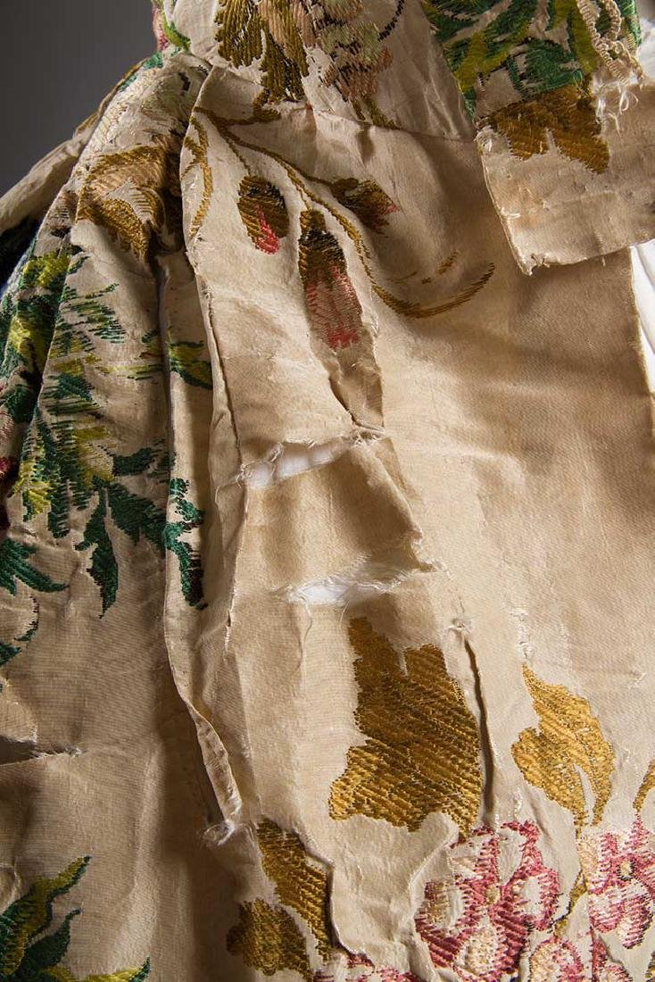 LADY'S SILK BROCADE GOWN, MID 18TH C - 9
