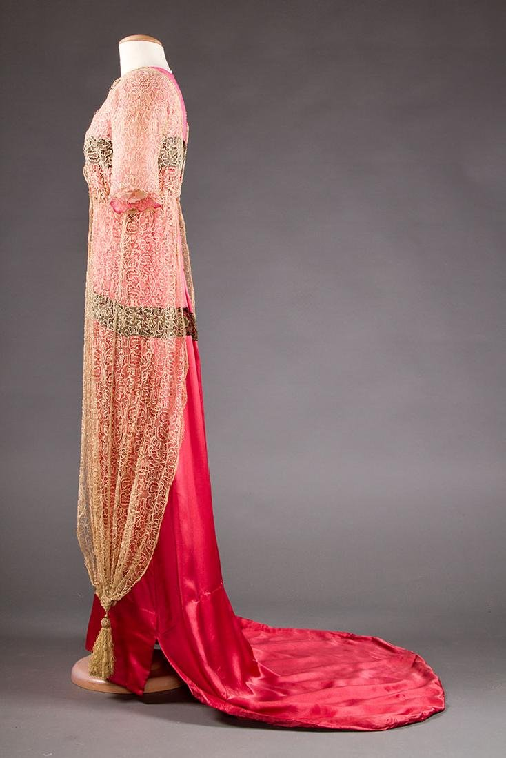 TRAINED PINK SATIN EVENING GOWN, c. 1912 - 3