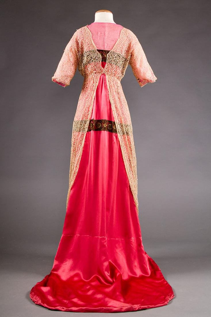 TRAINED PINK SATIN EVENING GOWN, c. 1912 - 4