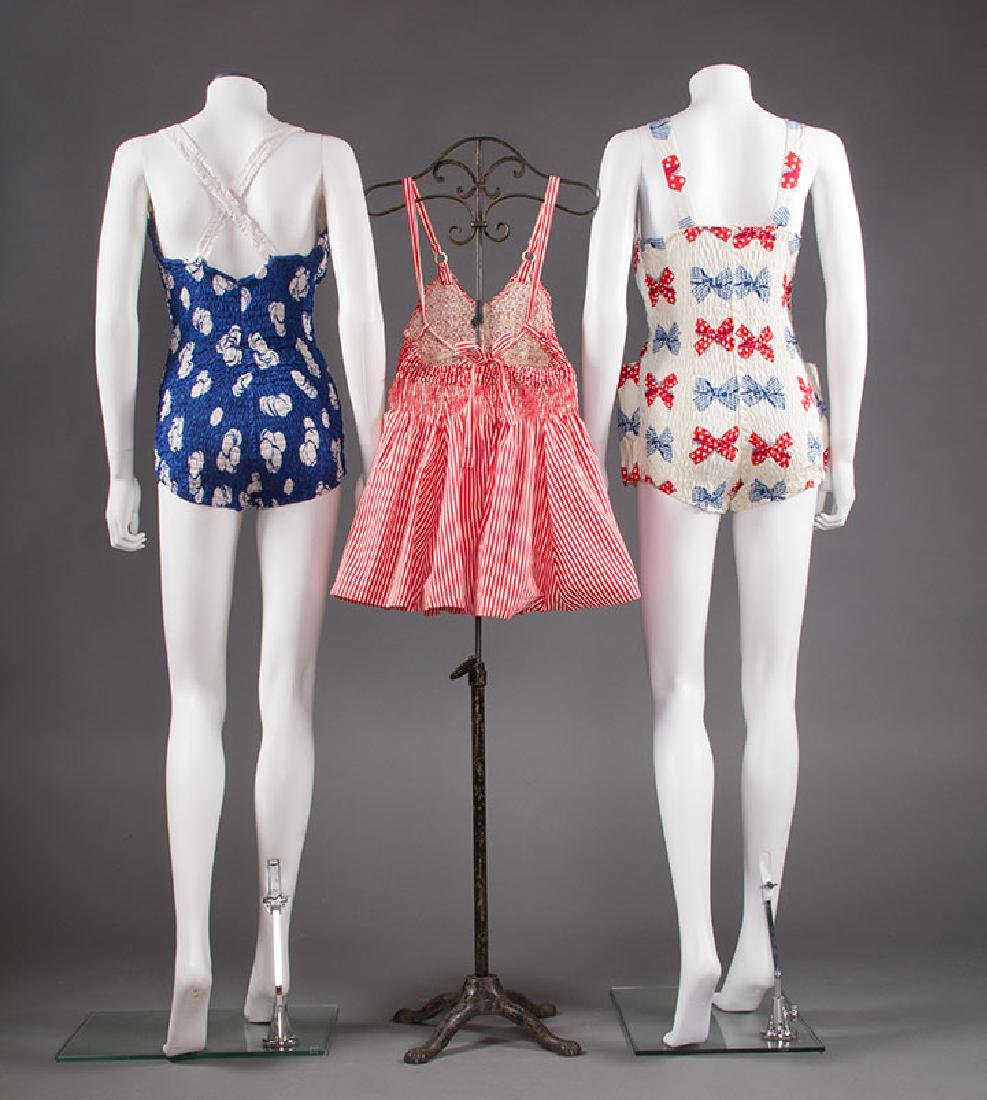 3 LADIES' PRINTED COTTON SWIM SUITS, 1950s - 2