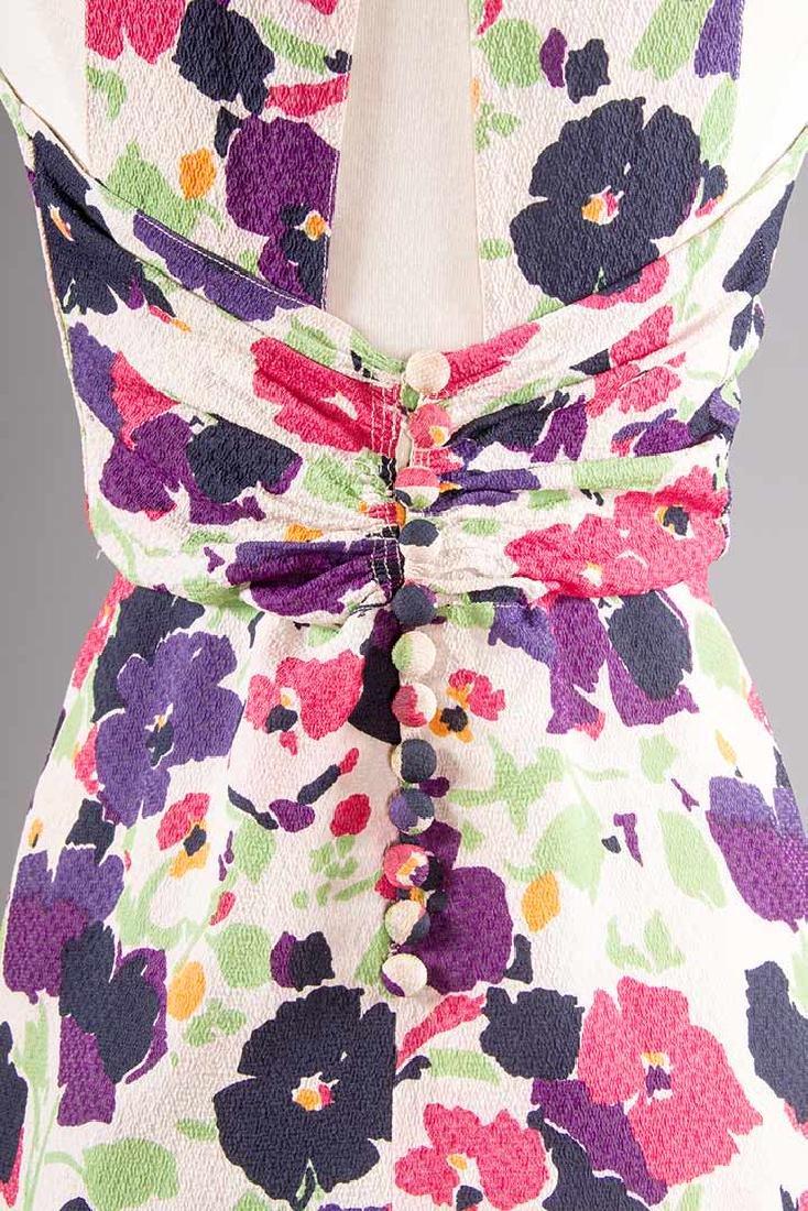 PRINTED SILK AFTERNOON DRESS, c. 1940 - 7