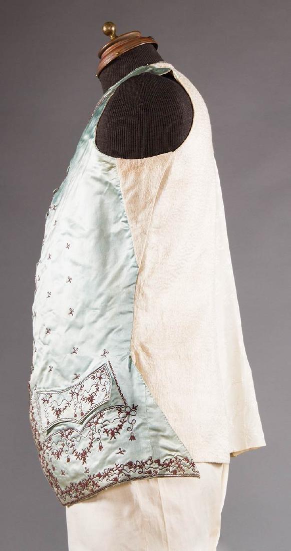 GENT'S BLUE SILK WAIST COAT, 1770-1780 - 3