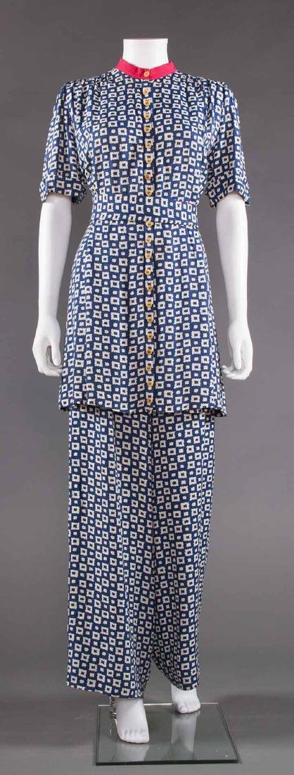 LADY'S PRINTED SUMMER TUNIC & PANT SET, EARLY 1940s