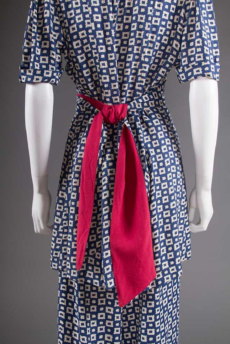 LADY'S PRINTED SUMMER TUNIC & PANT SET, EARLY 1940s - 5