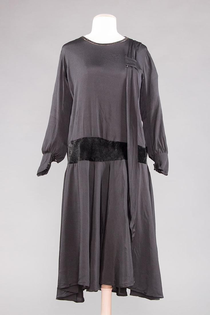 1 AFTERNOON & 1 DINNER DRESS, 1920s - 4