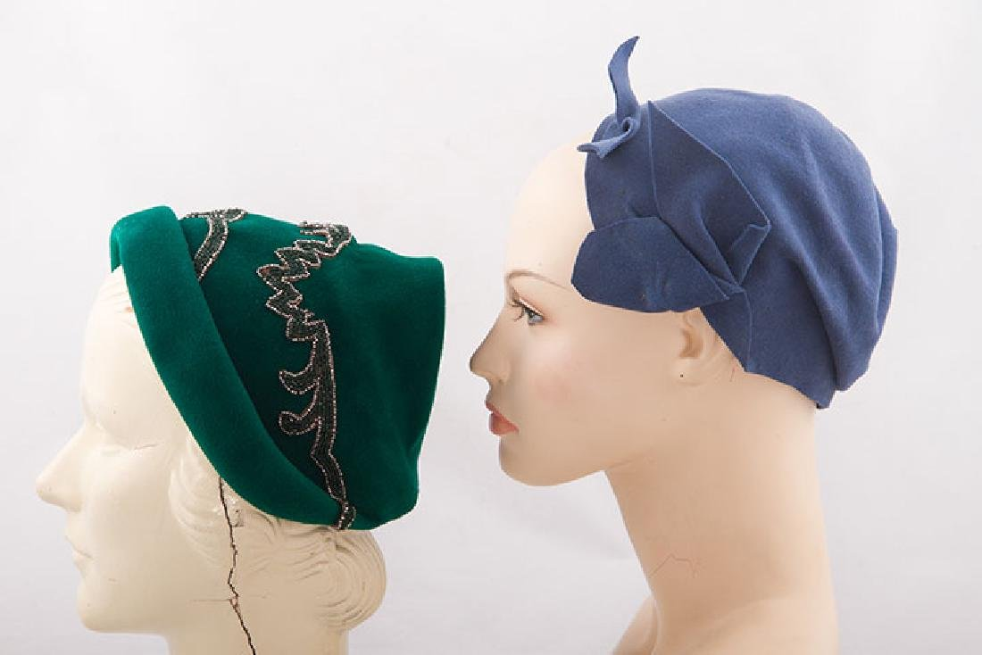 5 LADIES' FELT HATS, 1930-1940 - 2