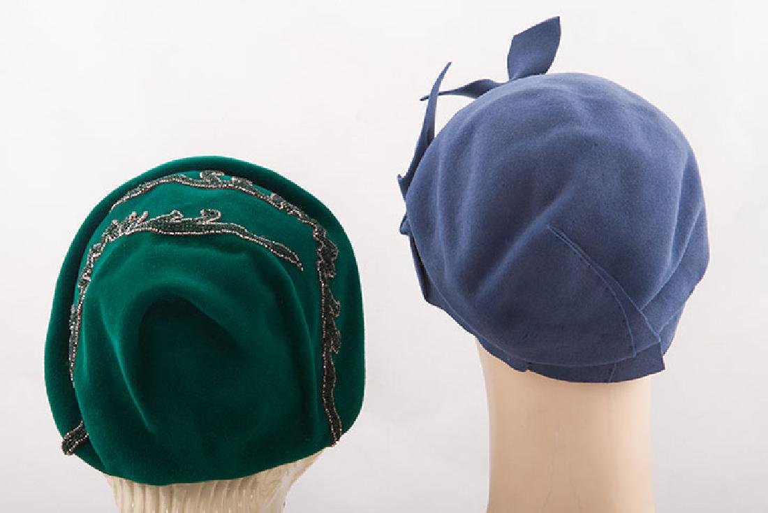 5 LADIES' FELT HATS, 1930-1940 - 3