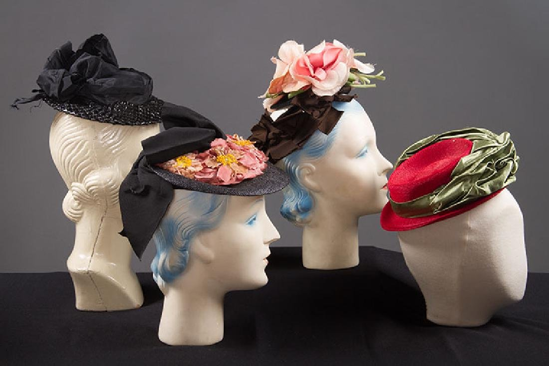 4 SMALL SUMMER HATS, 1940s - 2