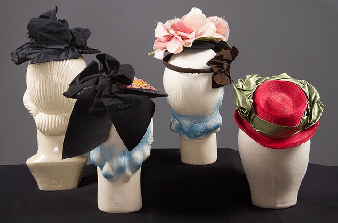 4 SMALL SUMMER HATS, 1940s - 3