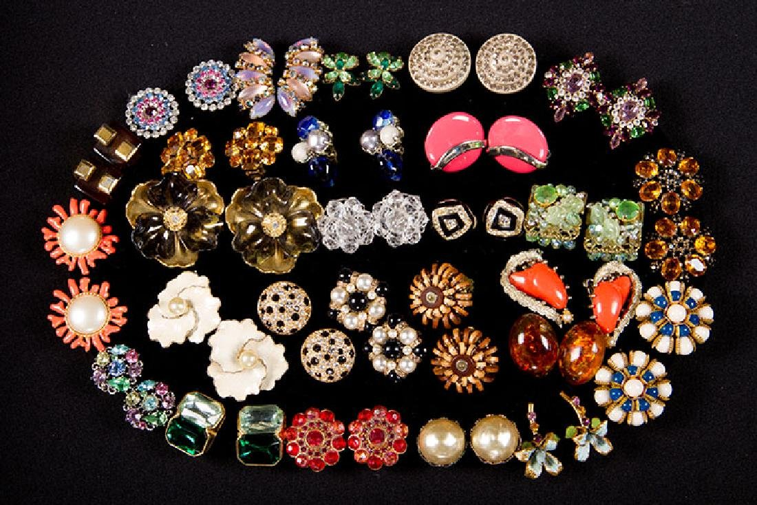 GROUP COSTUME JEWELRY, 1930-1960s - 2