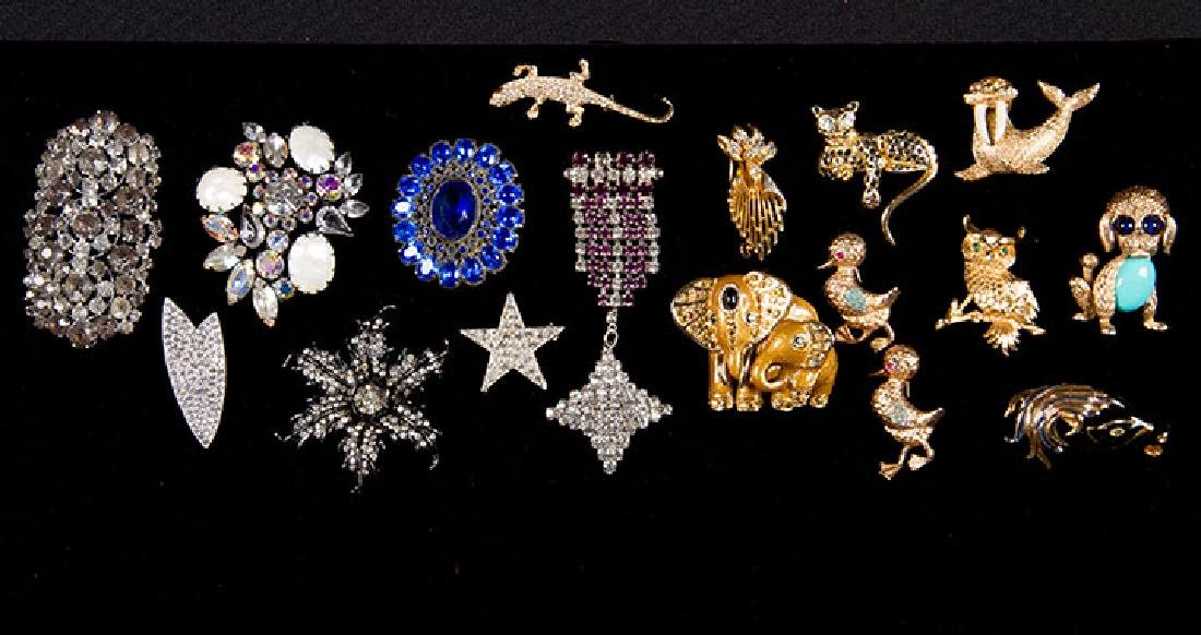 GROUP COSTUME JEWELRY, 1930-1960s - 3