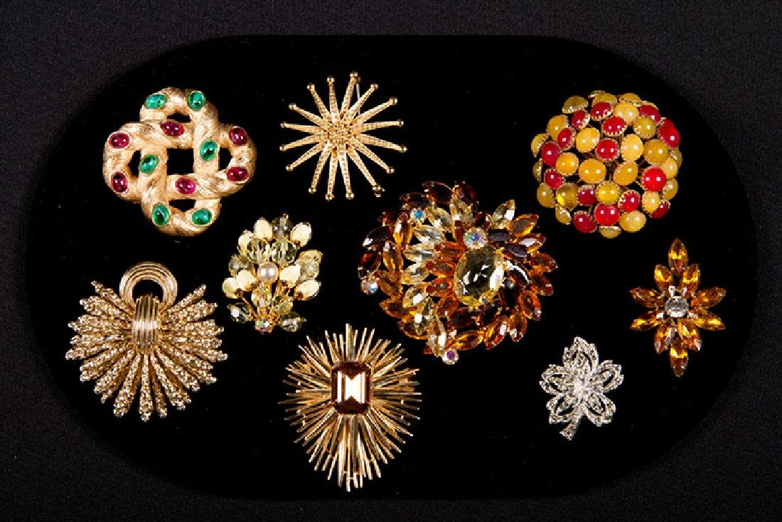 GROUP COSTUME JEWELRY, 1930-1960s - 4
