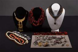 LARGE GROUP NECKLACES, RINGS & BROOCHES