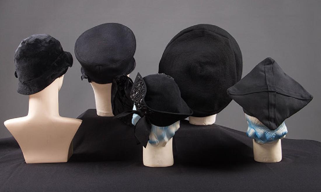 5 UNUSUAL SHAPED FELT HATS, 1930-EARLY 1940s - 3