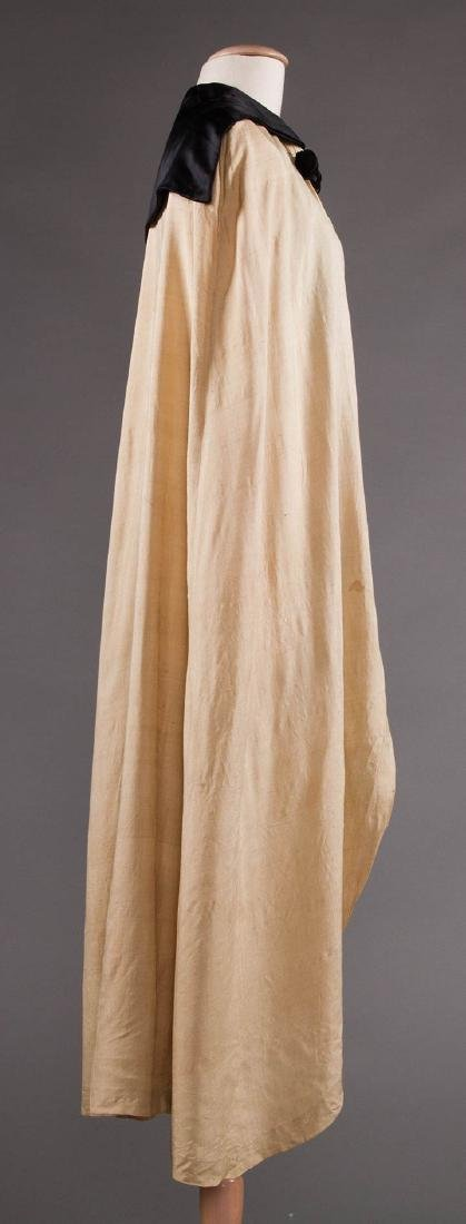 LIBERTY LONG SILK CAPE, EARLY 20TH C - 3
