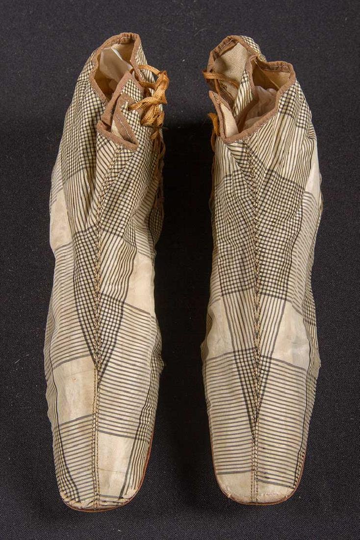 PAIR SIDE LACED BOOTS & PAIR MULES, 1840-1860 - 5