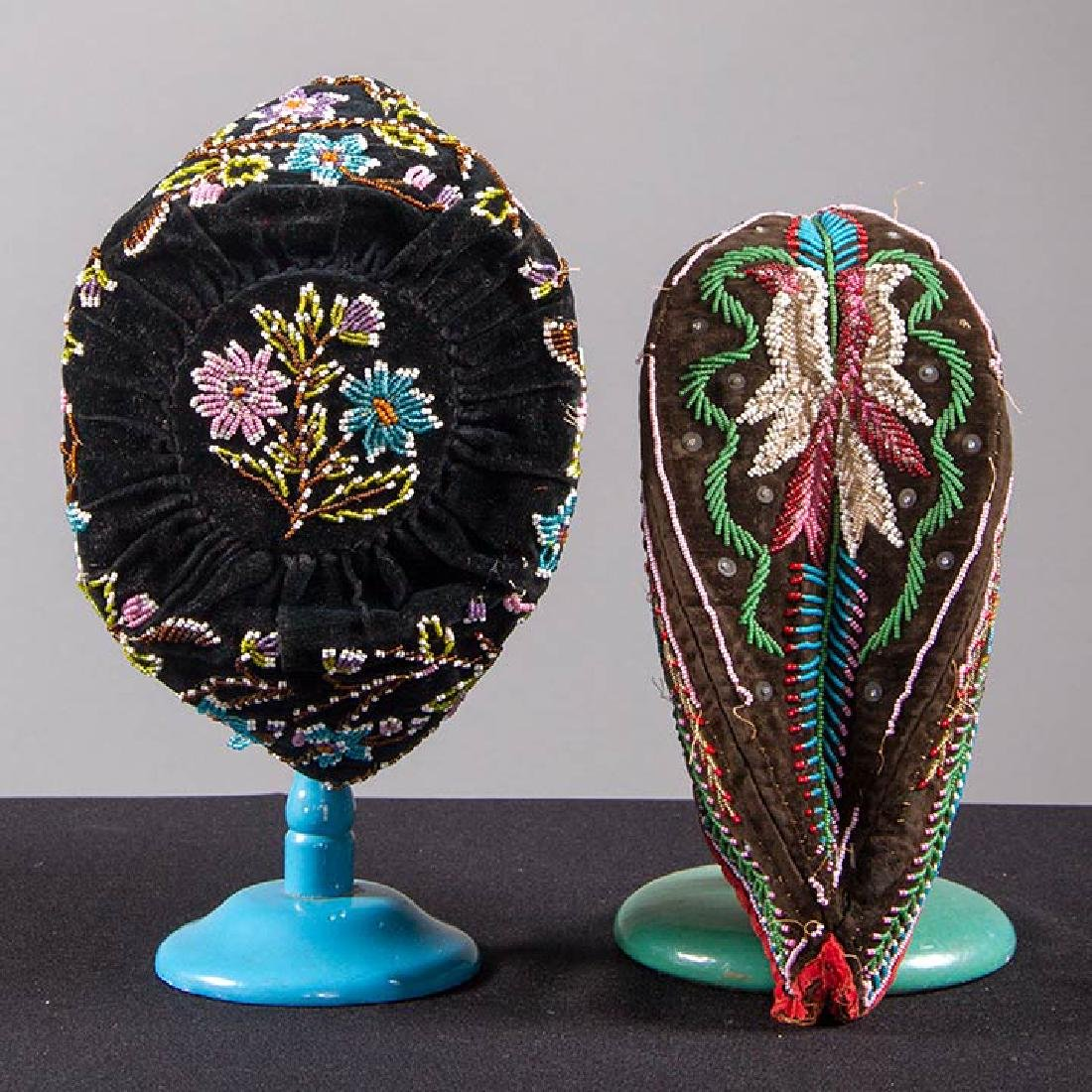 4 NATIVE AMERICAN BEADED ACCESSORIES, MID 19TH C - 2