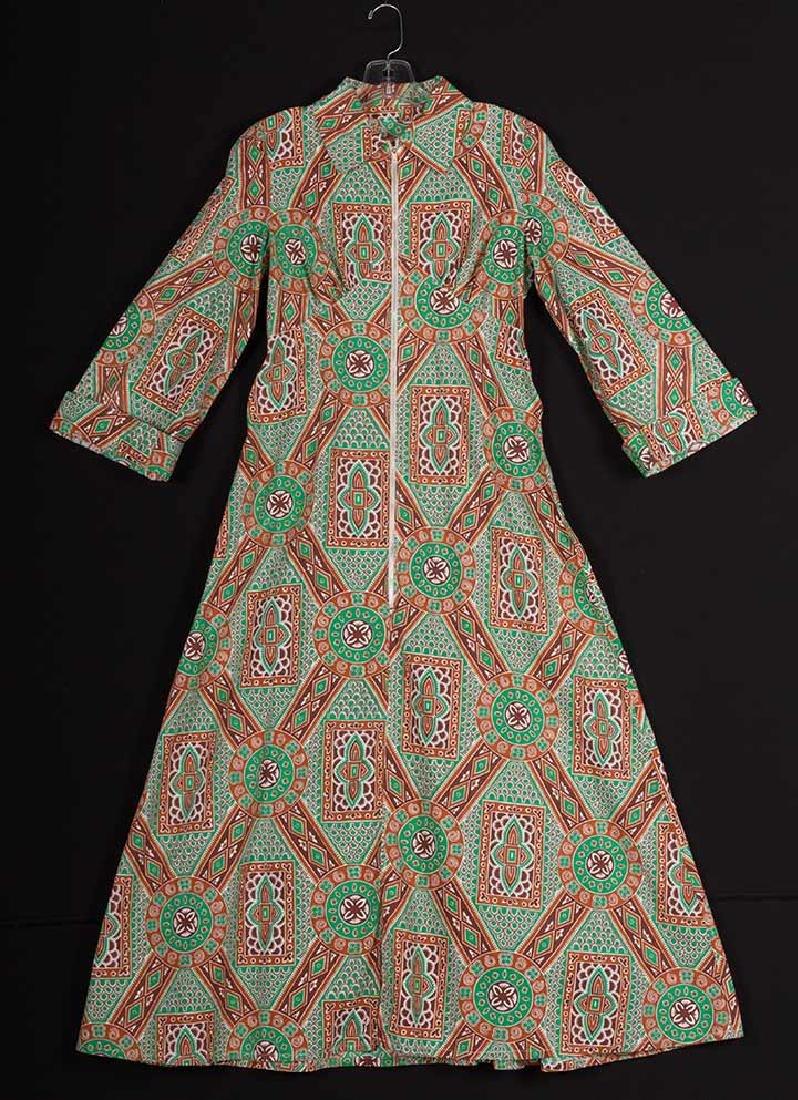 4 PRINTED HOUSE DRESSES, 1940s - 5