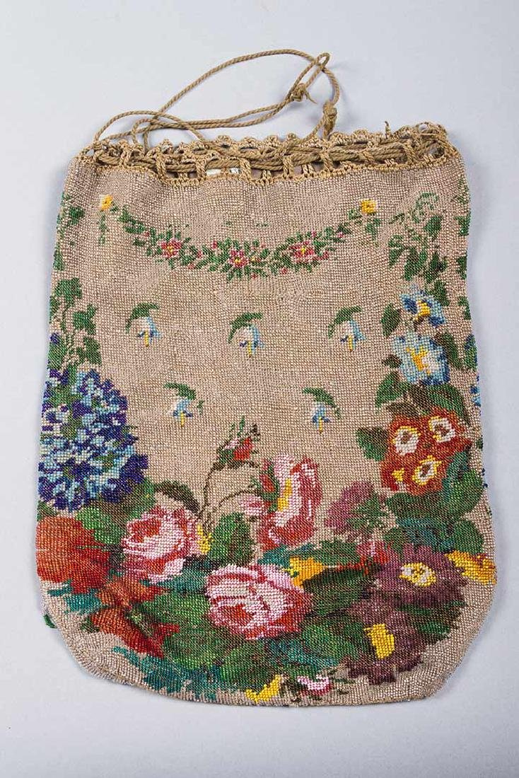 4 LARGE FLORAL BEADED BAGS, 1860-1900 - 3