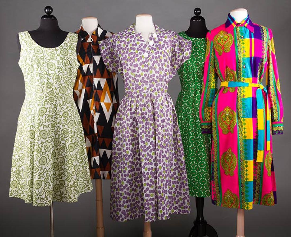 5 PRINTED SUMMER DAY DRESSES, 1950-1970