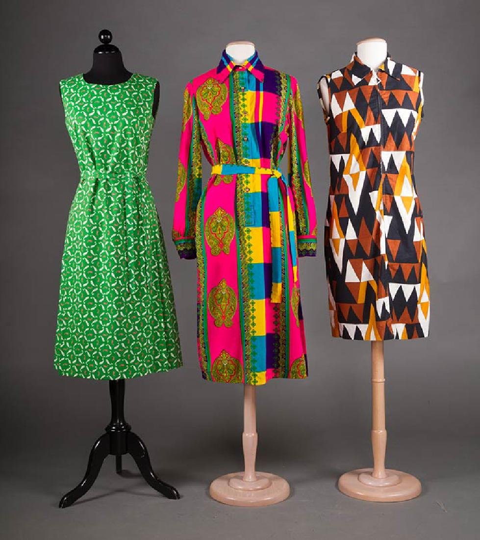5 PRINTED SUMMER DAY DRESSES, 1950-1970 - 4