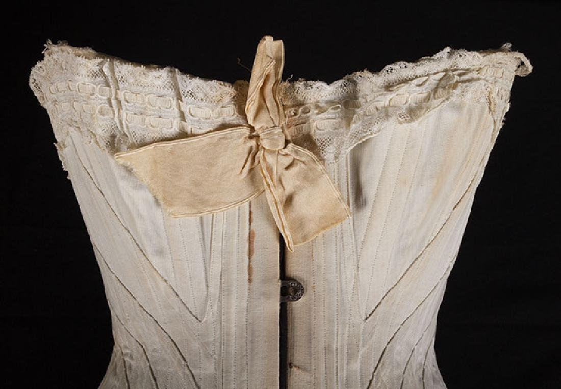 4 WHITE GIRLS CORSETS, EARLY 20th C - 10