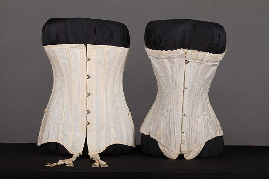4 WHITE GIRLS CORSETS, EARLY 20th C - 5