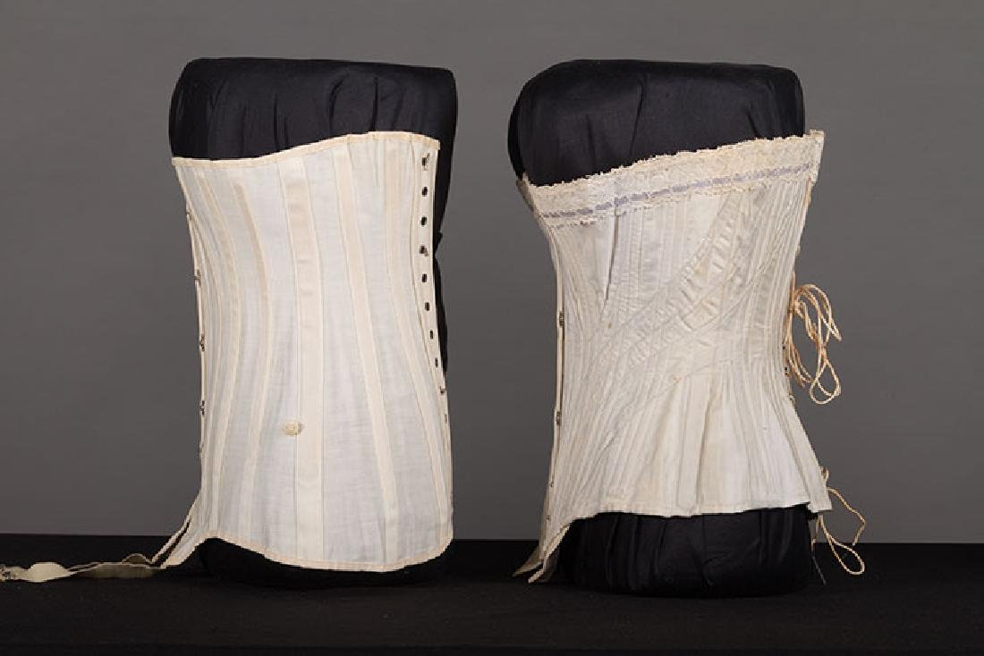 4 WHITE GIRLS CORSETS, EARLY 20th C - 6