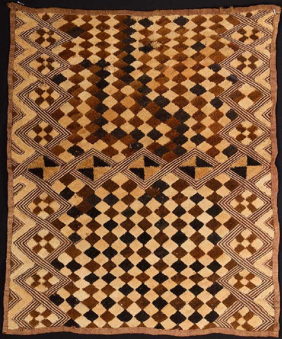 6 AFRICAN TEXTILES, 20th C. - 10