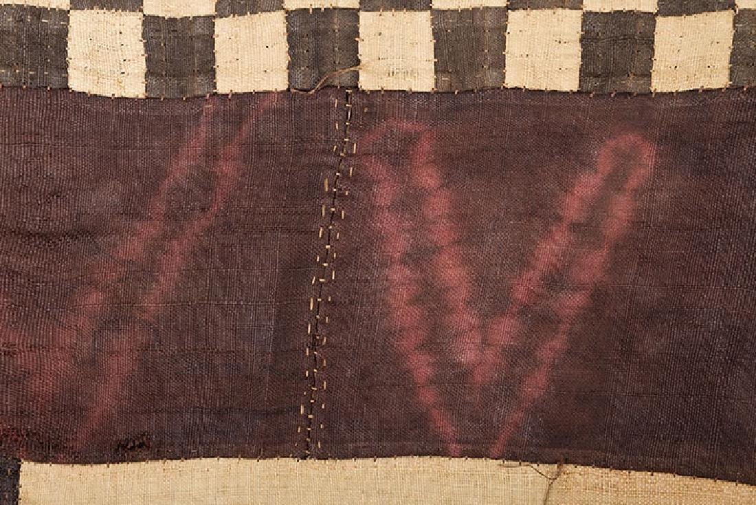 6 AFRICAN TEXTILES, 20th C. - 5