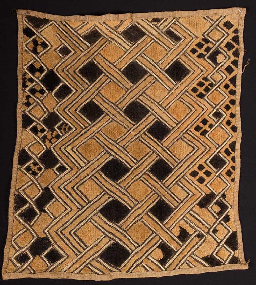 6 AFRICAN TEXTILES, 20th C. - 8