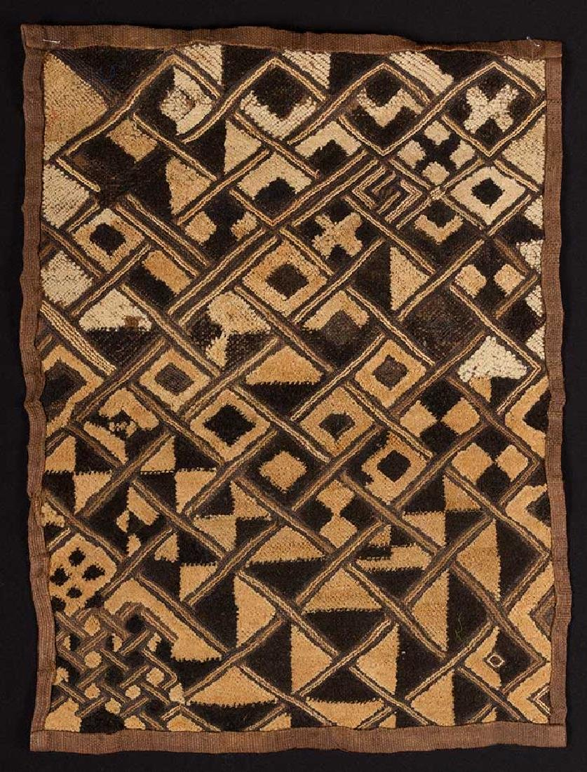 6 AFRICAN TEXTILES, 20th C. - 9