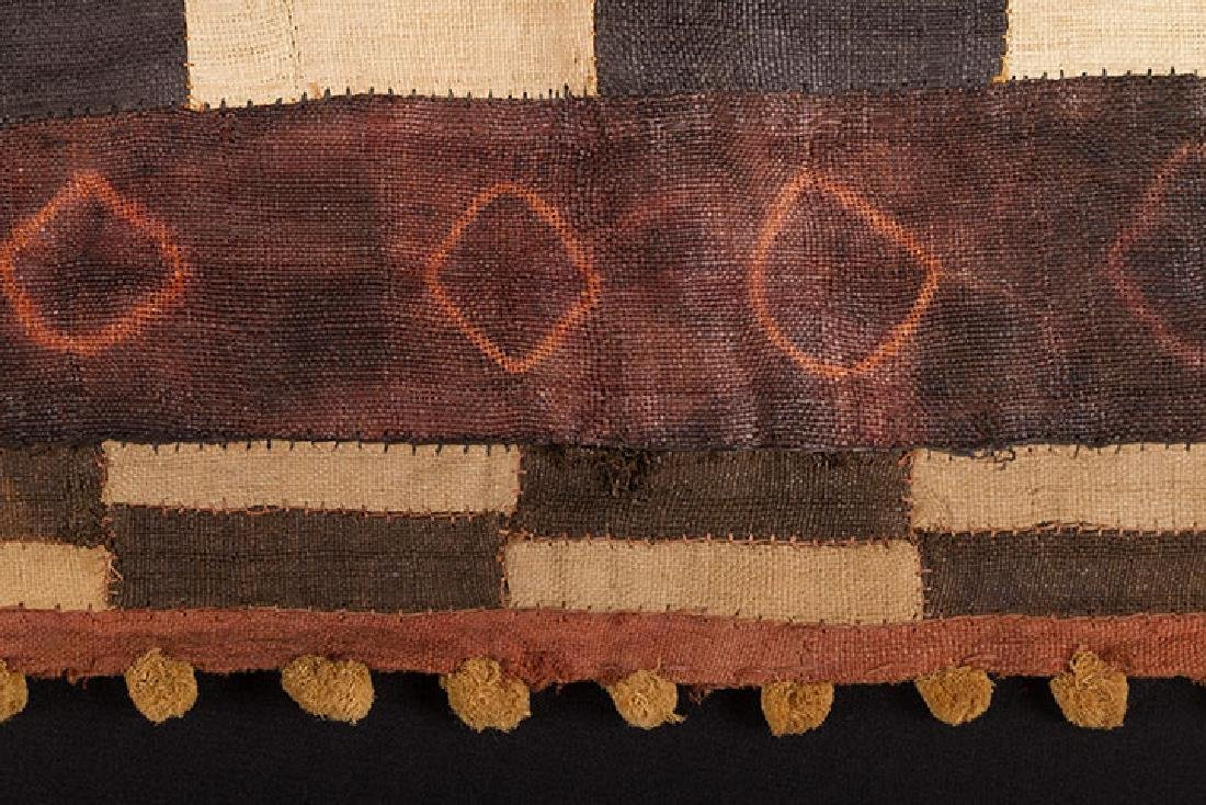 5 AFRICAN TEXTILES, 20th C. - 4