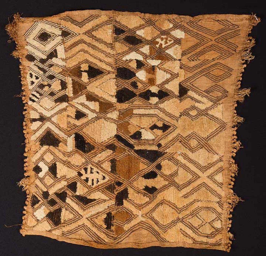 5 AFRICAN TEXTILES, 20th C. - 7
