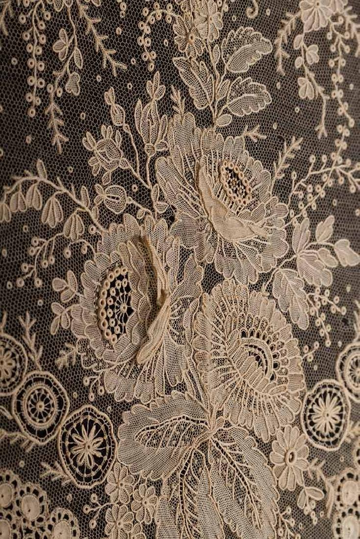 BRUSSELS MIXED LACE SHAWL, c. 1860 - 4