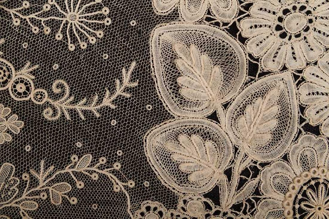 BRUSSELS MIXED LACE SHAWL, c. 1860 - 5