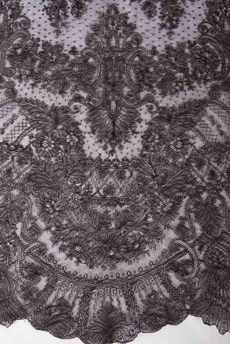 2 CHANTILLY LACE SHAWLS, MID 19TH C - 5