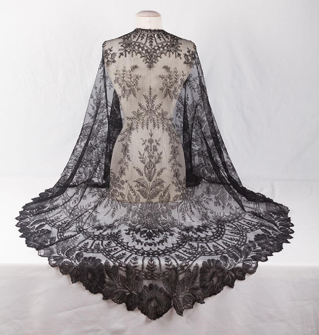 2 CHANTILLY LACE SHAWLS, MID 19TH C - 7